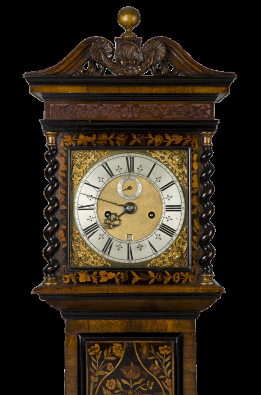 Висели над камином старинные часы
